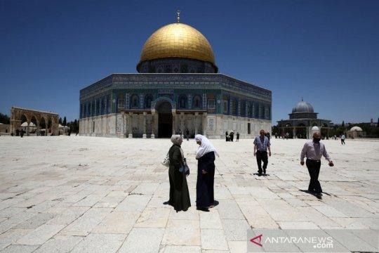 Israel hadang jamaah shalat Jumat memasuki Masjid Al Aqsa