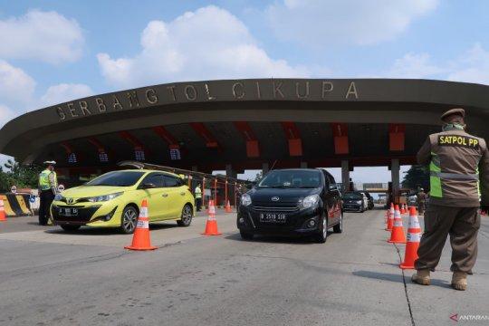 Arus kendaraan terpantau ramai lancar di Tol Cikupa