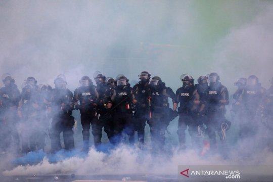 Ricuh di Minneapolis, wartawan Reuters tertembak peluru karet polisi