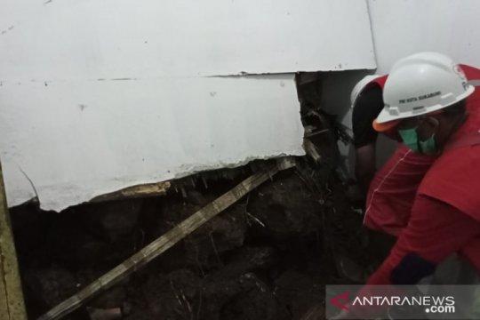 PMI Kota Sukabumi kerahkan personel bantu tangani tanah longsor