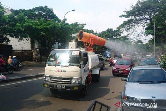 PMI Tangerang terjunkan empat mobil gunner disinfeksi jalan protokol