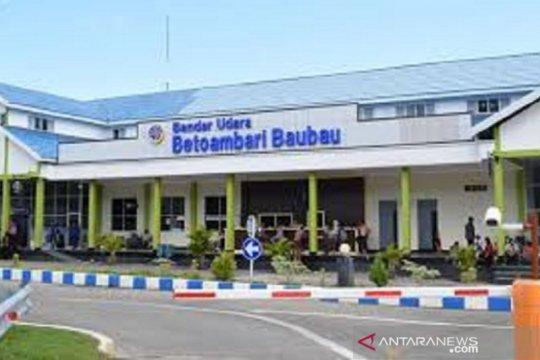 Karantina Baubau gagalkan pengiriman Lola di Bandara Baubau