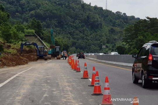 Jalur Tol Semarang-Solo yang tertimbun longsor kembali dibuka