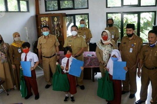 Disdik Kota Tangerang berikan bantuan paket internet