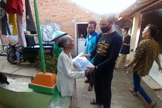 TKI asal Batang kolektif bantu warga terdampak COVID-19
