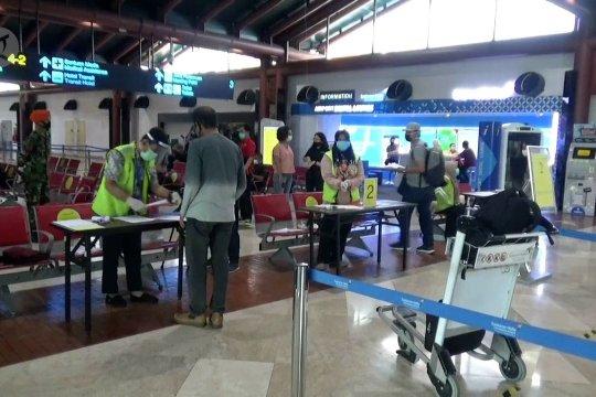 Calon penumpang mulai tertib di Bandara Soekarno-Hatta