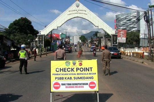 Angkutan umum diizinkan Menhub mulai besok, Jabar perketat check point