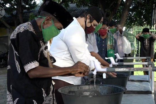 Masjid di Bekasi patuhi protokol kesehatan gelar shalat Idul Fitri