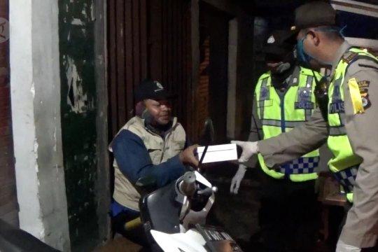 Polisi di Pandeglang sisihkan gajiuntuk berbagi sahur