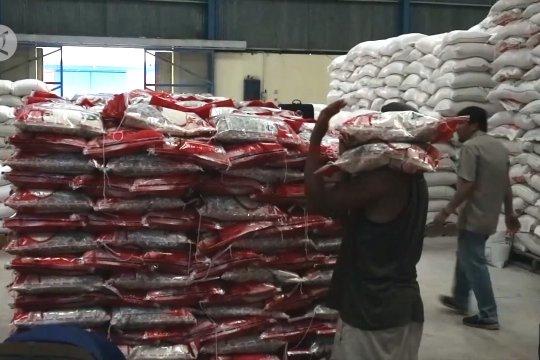 Pemerintah pantau pasokan pangan