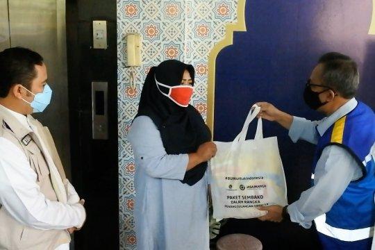 BUMN Jasa Marga salurkan bantuan sembako untuk warga Tangerang