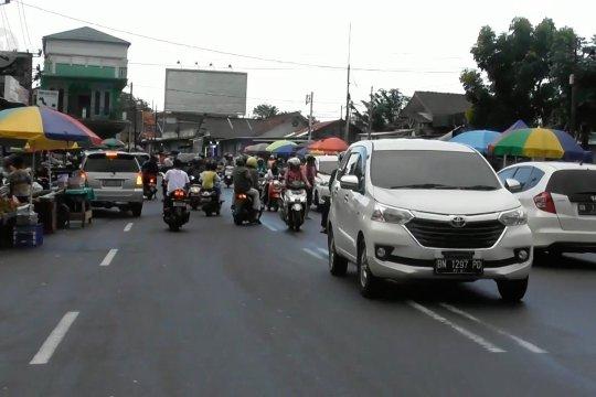 Pemprov kesulitan tertibkan pedagang dan pembeli di pasar Ramadhan
