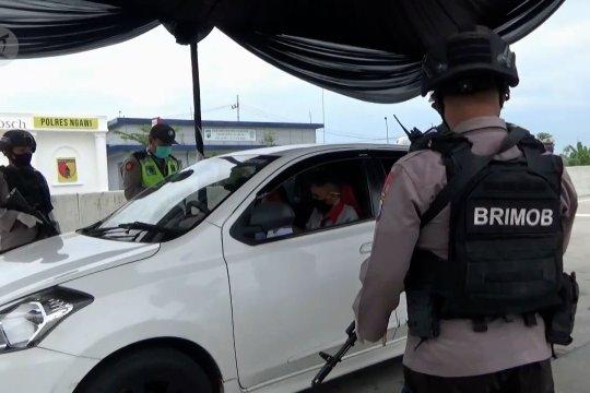 Lebih dari 12 ribu kendaran pemudik  ditolak memasuki Jatim
