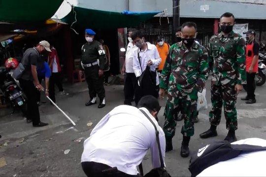Pasar di Semarang terapkan jarak aman antar pedagang