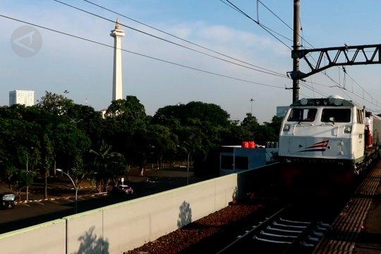 KA luar biasa rute Gambir - Pasar Turi mulai beroperasi