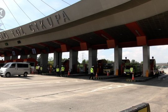 Lintasi Tol Cikupa, 19 kendaraan diputar balik