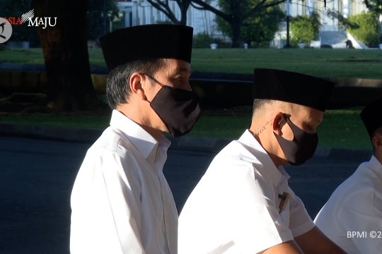 Presiden dan keluarga shalat Id di Istana Bogor