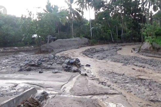 Sudah empat kali dalam sebulan desa Omu dilanda banjir