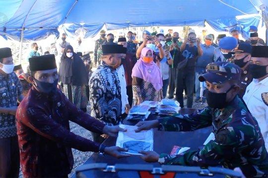 Pemkab Aceh Barat serahkan 74 ribu masker tahap kedua