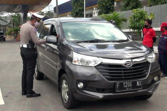 Puluhan kendaraan pemudik dilarang memasuki Kota Bandung