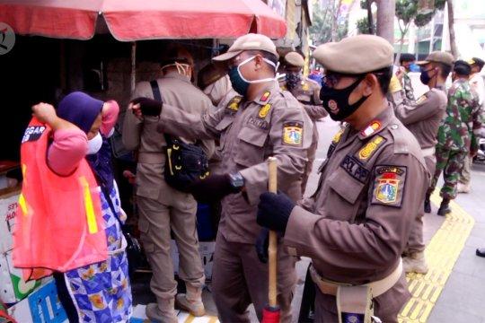 Satpol PP Jakarta Pusat sanksi pelanggar PSBB