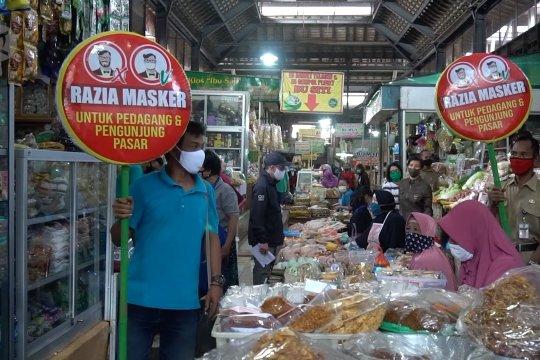 Tak pakai masker masuk ke pasar di Solo, siap-siap diusir