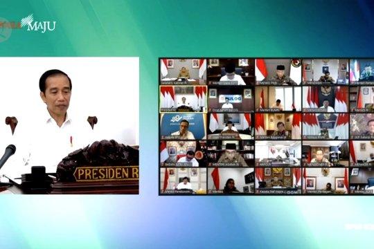 Jokowi minta kegiatan ibadah dan belanja sesuai protokol kesehatan