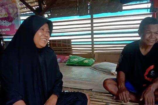 Kisah Ateng dan Ati yang memilih tinggal di bekas kandang ayam