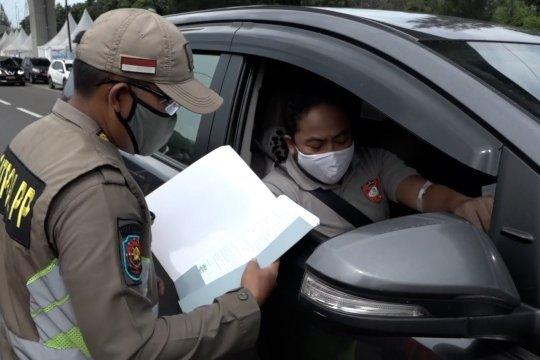 Tak punya SIKM, 537 kendaraan di Tol  Karawang Barat diminta putar balik