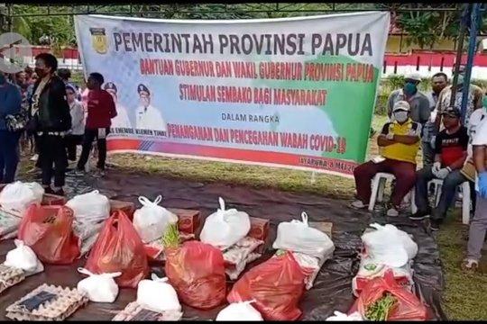 Pemprov Papua salurkan sembako dan pangan lokal