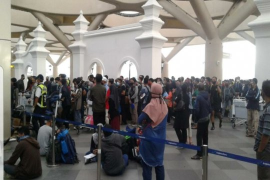 AP I imbau penumpang pesawat di Bandara YIA patuhi protokol kesehatan
