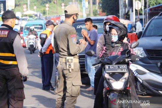 Puncak padat saat PSBB, Polisi minta bantuan Pemkab Bogor