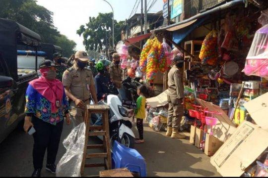 Penertiban pelanggaran PSBB Pasar Gembrong diserahkan ke provinsi