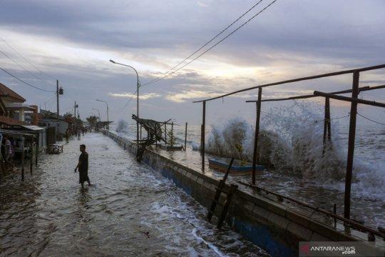 Peneliti: Banjir rob di utara Jawa bukan akibat gerhana bulan