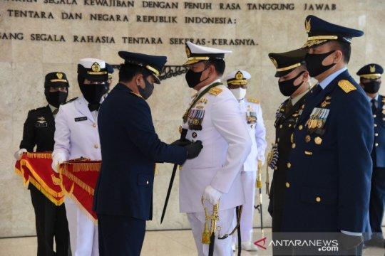 Panglima TNI sematkan Tanda Kehormatan kepada Kasal dan Kasau
