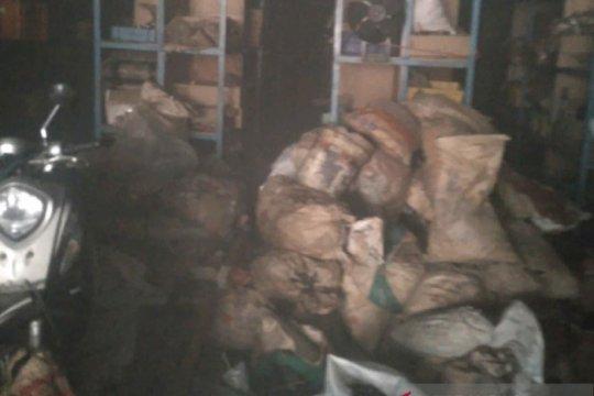 Kebakaran bengkel di Rawa Buaya sebabkan dua orang terluka