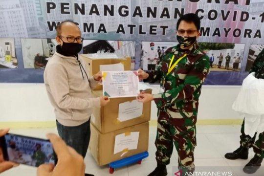 Kelompok penyair sumbang APD ke RSD Wisma Atlet Kemayoran Jakarta
