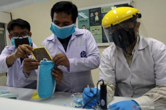 Masker dilapisi tisu dan dioleskan minyak esensial, perlukah?