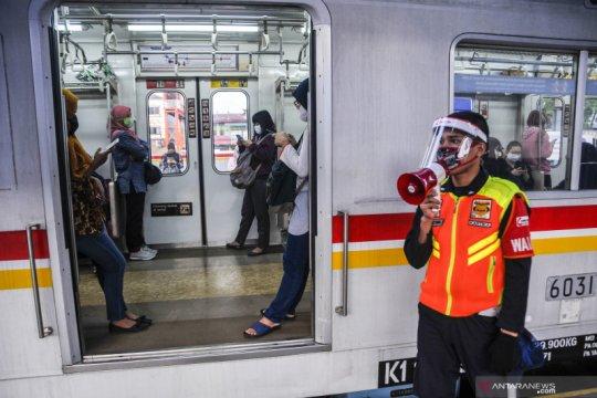 KCI tambah perjalanan KRL selama PSBB transisi