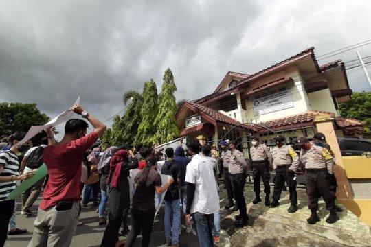 Mahasiswa Anambas nekat unjuk rasa di tengah pandemi COVID-19