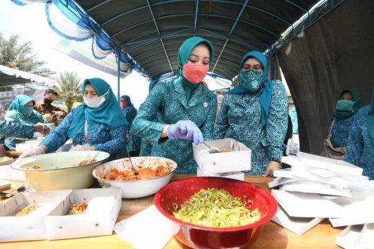 Program Gerakan Nasi Bungkus Jabar tetap berjalan walau PSBB berakhir