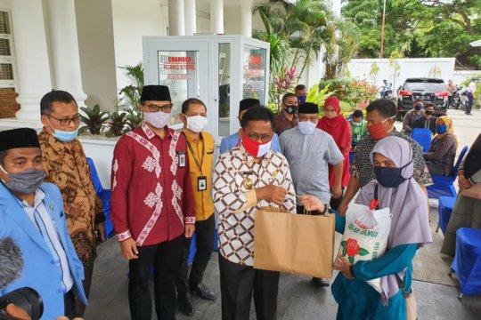 FK IJk-FK BUMN salurkan bantuan untuk guru ngaji terdampak COVID-19