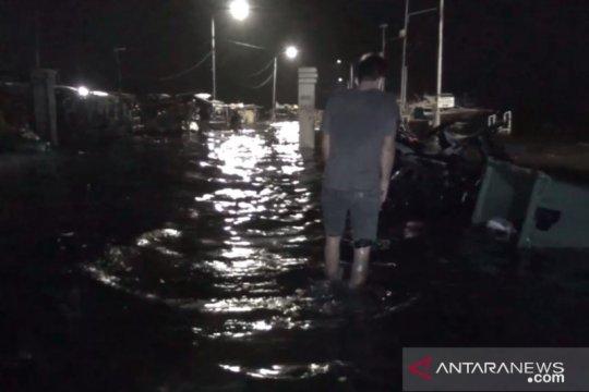 BPBD Jakarta: Warga bantaran sungai Pos Angke Hulu waspada Banjir