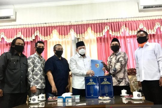 Ketua DPD janji bawa persoalan DPRD dan Bupati Jember kepada Presiden
