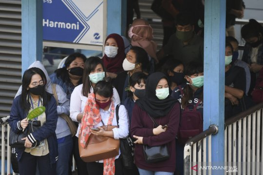 TransJakarta sesuaikan waktu operasional imbas PSBB Jakarta
