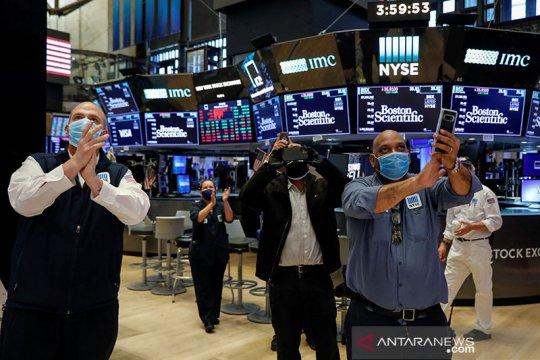 Wall Street naik setelah Fed janjikan lebih banyak dukungan ekonomi