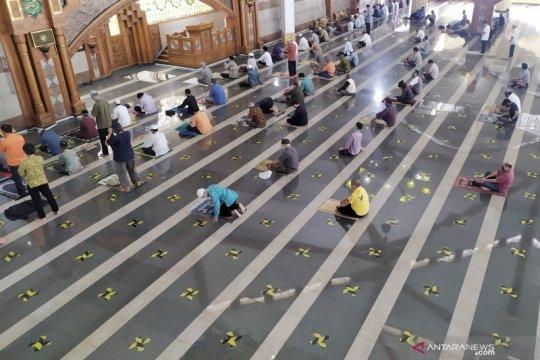 Masjid Pusdai Bandung batasi jamaah shalat Jumat