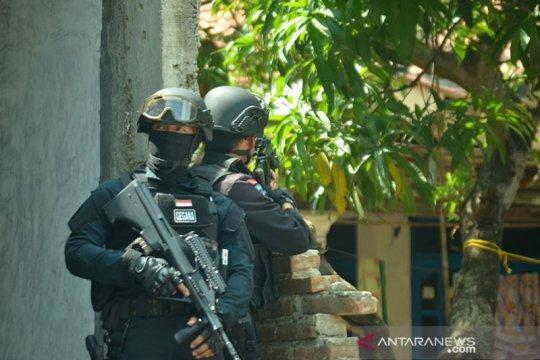 Densus 88 amankan satu terduga teroris beserta bahan peledak