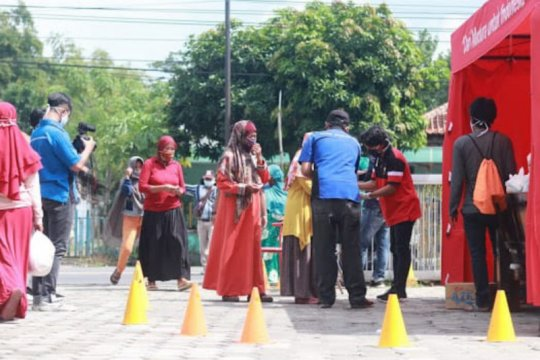 YIIM salurkan bansos untuk masyarakat Jakarta dan Madura