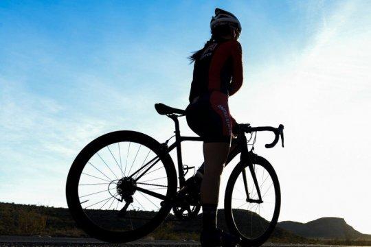 Diet sehat agar bersepeda di masa normal baru tetap lancar